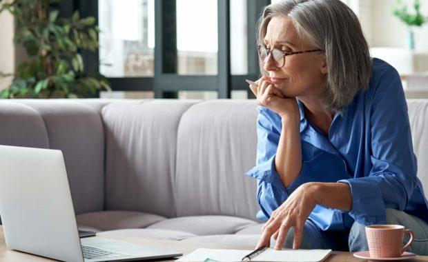 scnova-retired-woman-taking-online-classes
